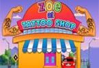 Zoe w sklepie tatuaży