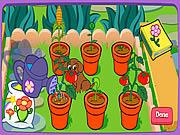 Dora ogrodniczka w ogrodzie