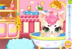 Opieka słodkiego kotka