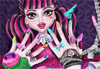 Monster High w salonie manicure