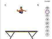 Skakanie na trampolinie dla dzieci